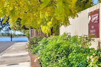 Picture of Lake Wendouree Apartments on Grove St in Ballarat