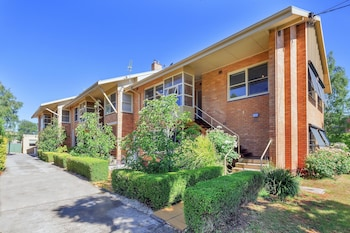 Picture of Lake Wendouree Apartments Grove St in Ballarat