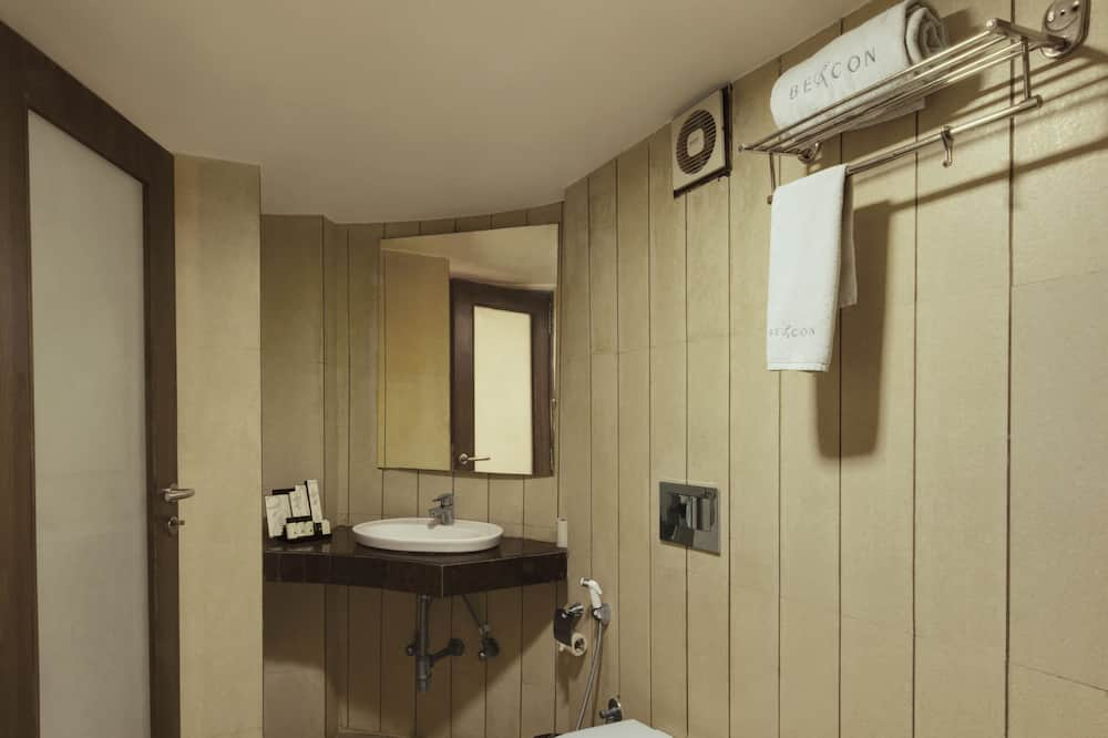Executive Room, 1 Bedroom, Smoking - Bathroom