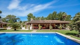 Choose this Villa in Alcudia - Online Room Reservations