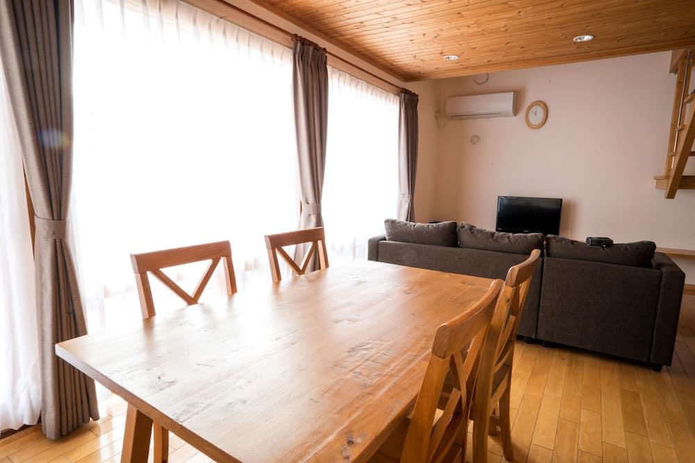 Deluxe Cottage, 2 Bedrooms, Non Smoking - Tempat Makan dalam Bilik