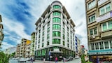 Choose This 4 Star Hotel In Istanbul
