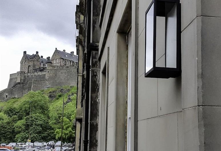 Edinburgh Nine, Edinburgh