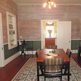 House, Multiple Beds, Kitchen (High Street Guesthouse) - In-Room Dining