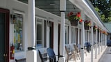 Book this Parking available Hotel in Alexandria Bay