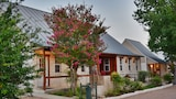 Choose This 3 Star Hotel In New Braunfels