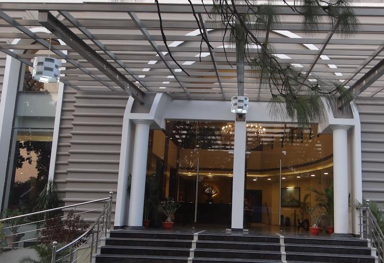 THE LEGEND HOTEL, Allahabad, Pintu Masuk Hotel