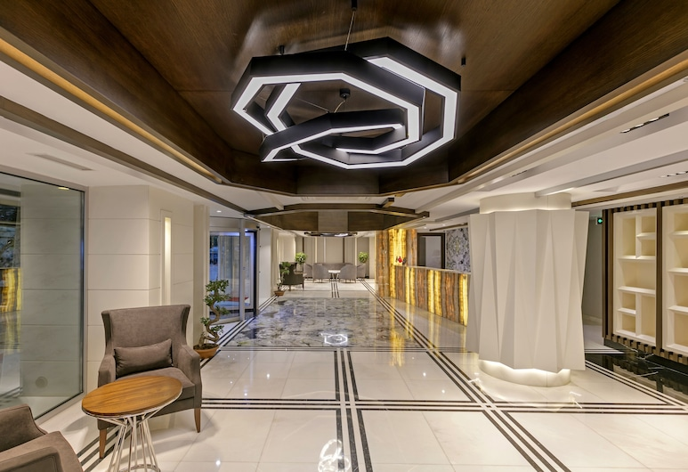 B Business Hotel & Spa, Antalya, Vestíbulo