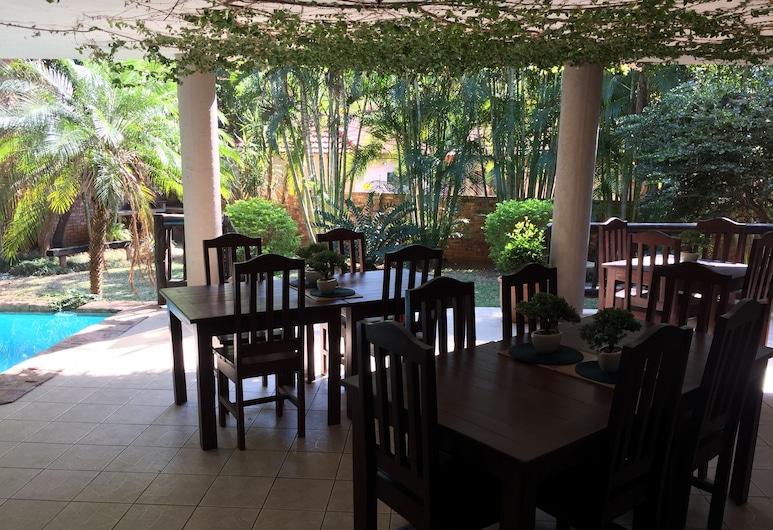 Villa Langa B and B, Malelane, Terasa / vidinis kiemas