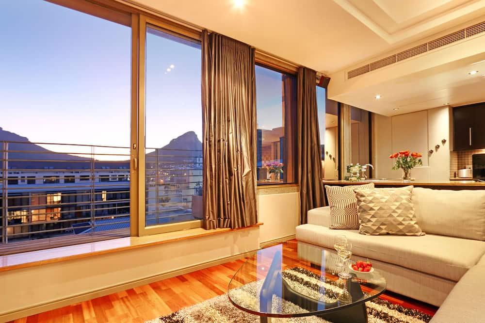Cartwright 1203 - Living Room