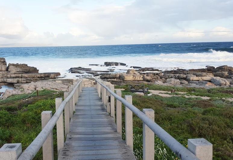 47 WhaleRock, Hermanus, Playa