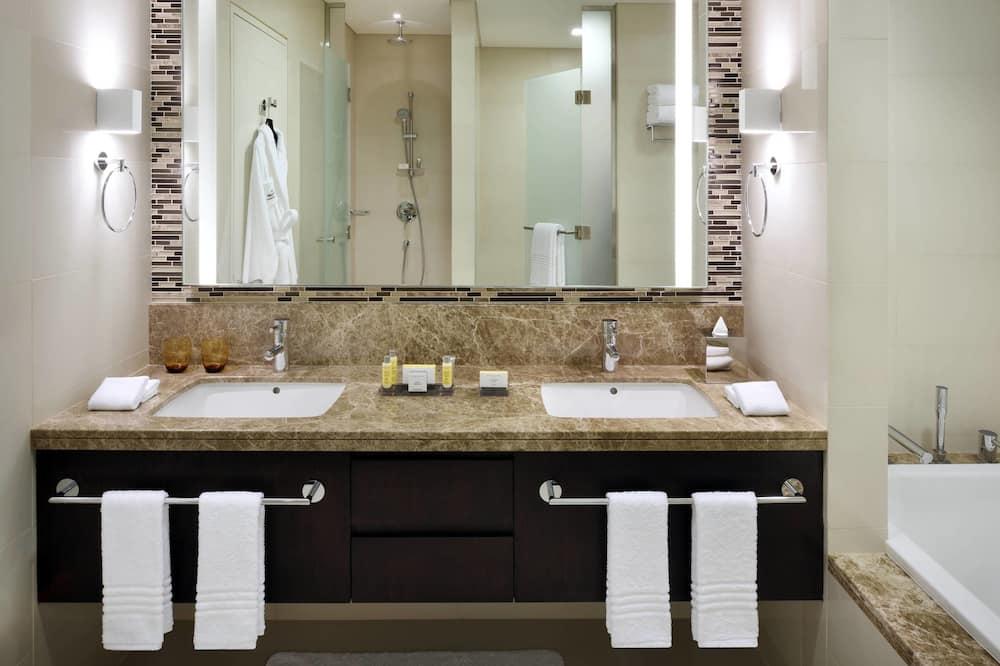 都會公寓, 3 間臥室, 非吸煙房, 城市景觀 - 浴室
