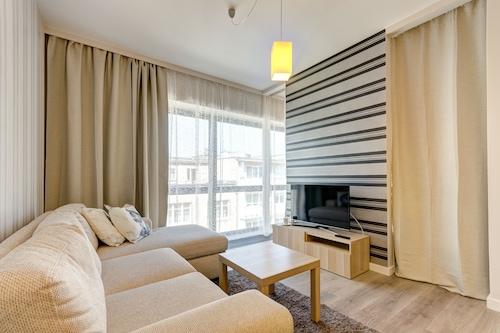 巴提克廣場多姆豪斯公寓飯店/