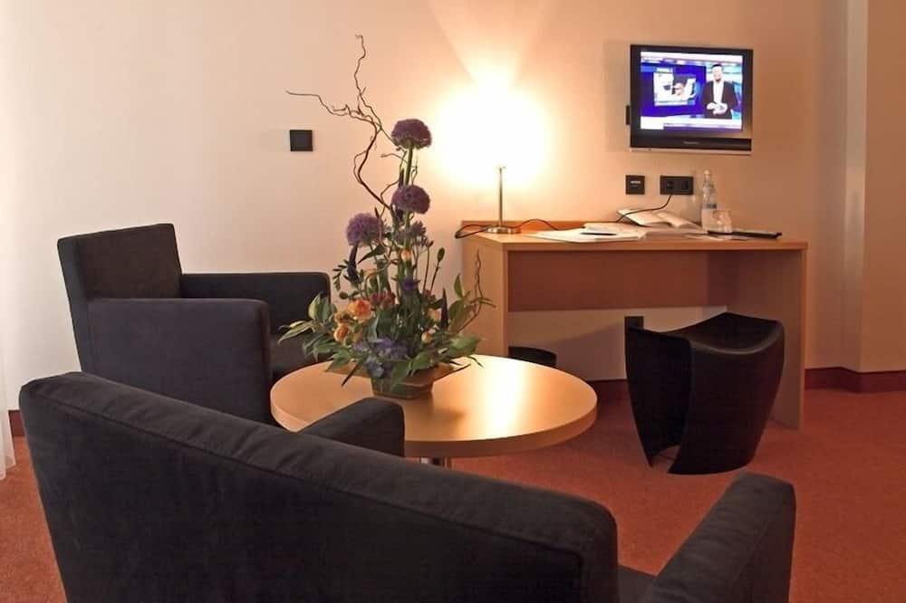 Twin Room, Non Smoking - Living Area