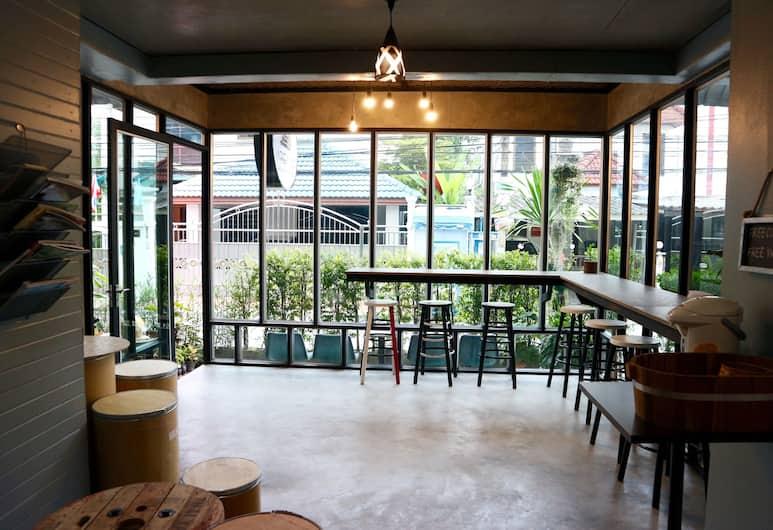 Area 69 Don Muang Maison, Bangkok, Lobby Sitting Area