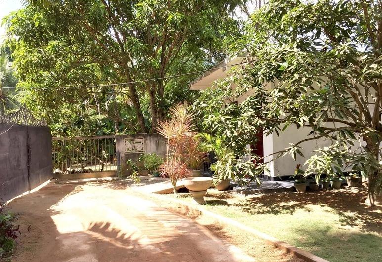 Damith Tourist Inn, מיריסה, שטחי הנכס