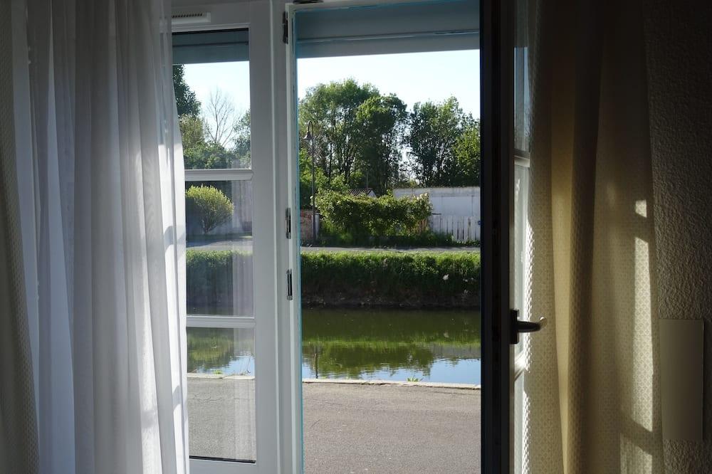 Standarta divvietīgs numurs, 1 divguļamā gulta, skats uz upi - Viesu numura skats