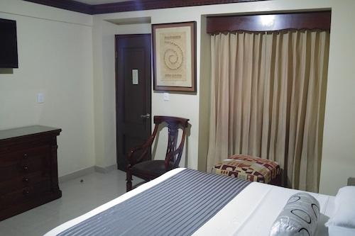 托萊多飯店/