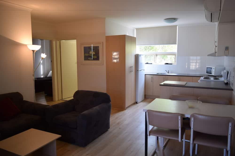 Apartamentai, 2 miegamieji, virtuvė - Svetainės zona