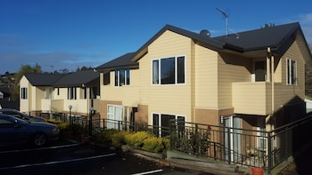 Picture of March Apartments in Dunedin
