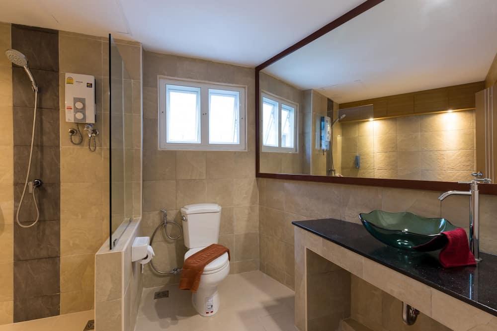 Deluxe Triple - 浴室