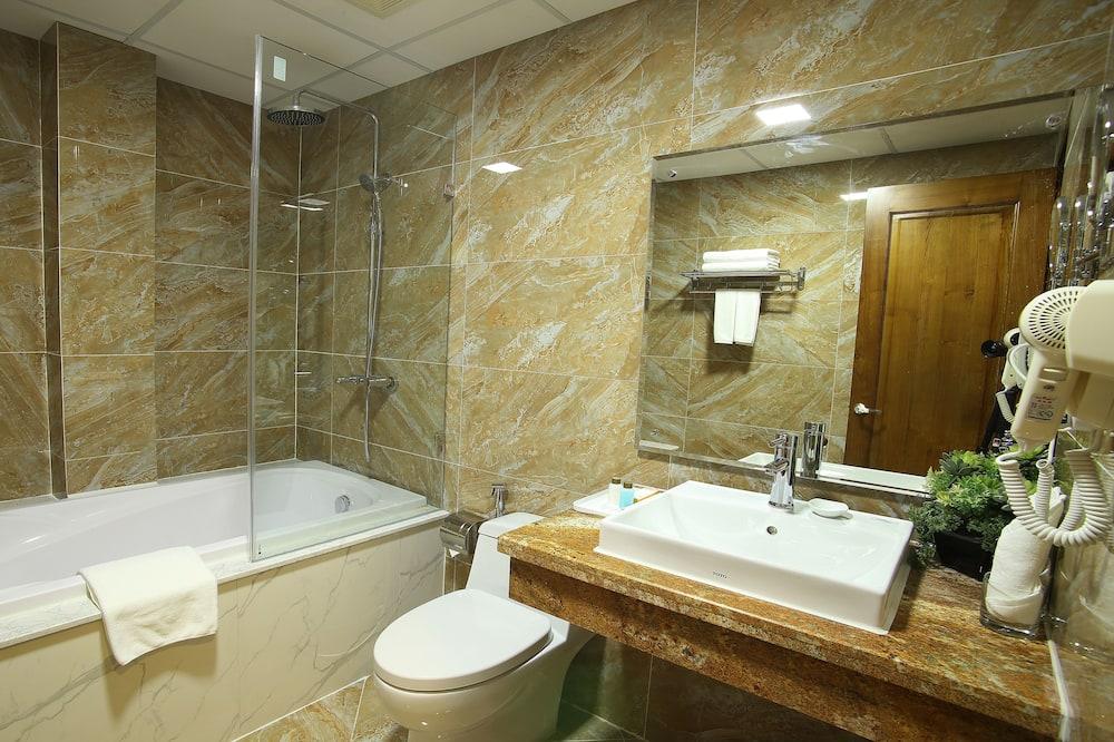 Executive-Zimmer, Seeblick (Single or Double) - Badezimmer