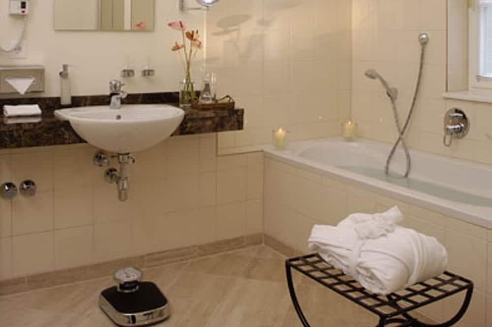 Kahden hengen huone (Castle) - Kylpyhuone