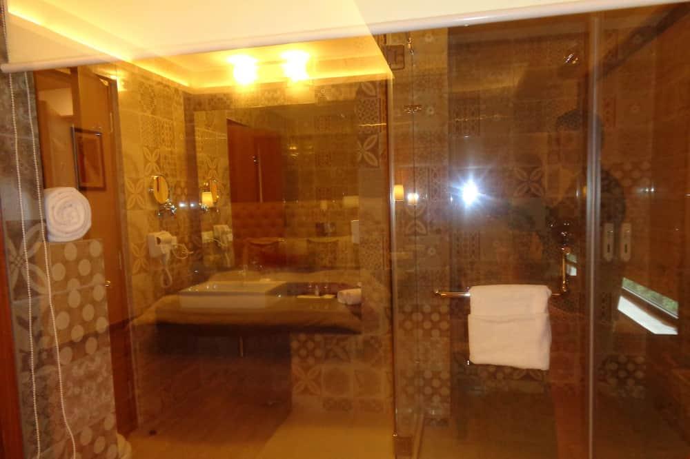 プレミアム ダブルまたはツインルーム 専用バスルーム シティビュー - バスルーム