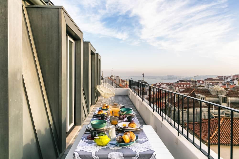 Premium Apartment, 3 Bedrooms, Terrace - Balcony