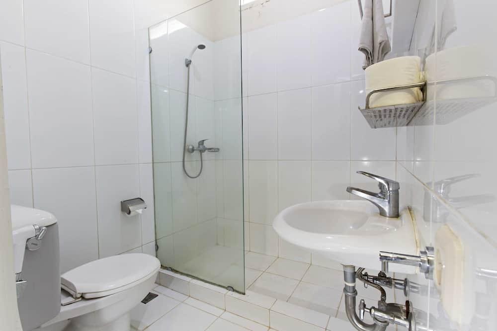 Reddoorz Room - 浴室