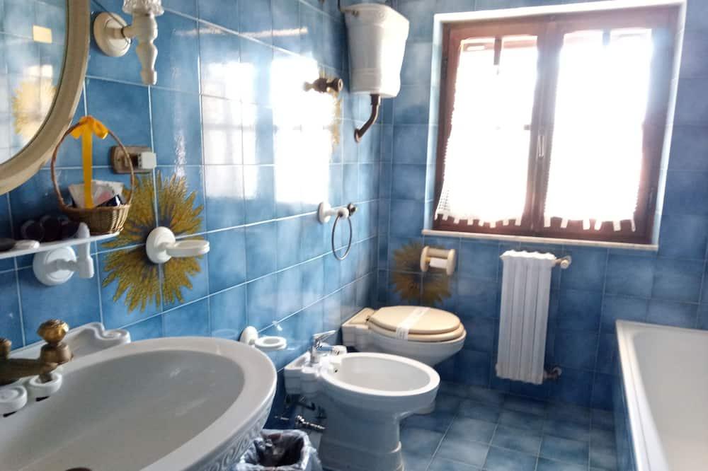 Deluxe-Doppelzimmer, Terrasse, Gartenblick - Badezimmer