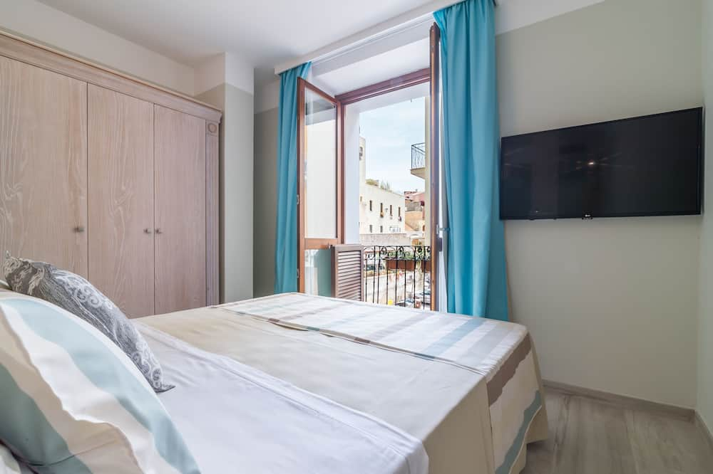Deluxe Triple Room, 1 Double or 2 Twin Beds - Balcony