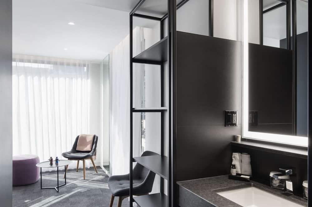 Suite, en la esquina (Upper Floor) - Baño