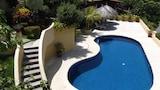 Choose This Cheap Hotel in Ixtapa