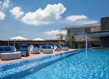 雷根峇里雷吉安太陽屋酒店的圖片