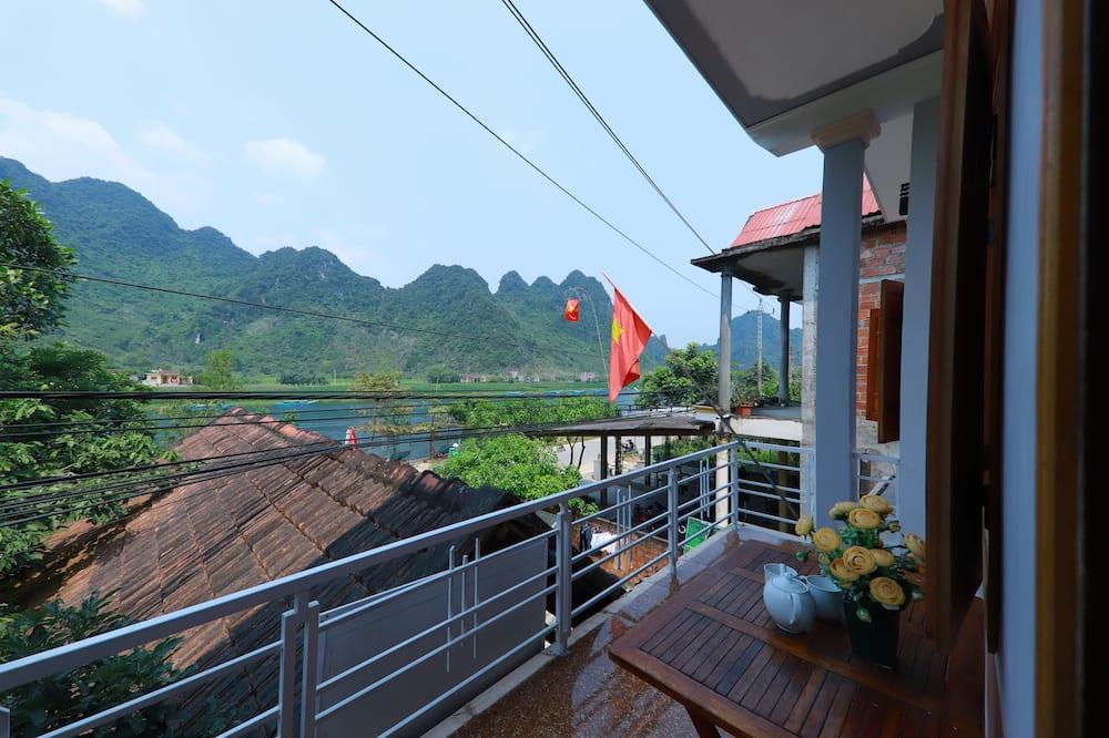 Chambre avec lits jumeaux, vue montagne - Vue depuis le balcon