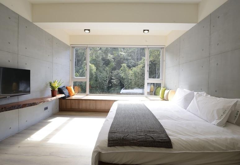 Sun Moon Inn, יוצ'י, חדר דה-לוקס זוגי, מיטת קינג, נוף להר, נוף להר