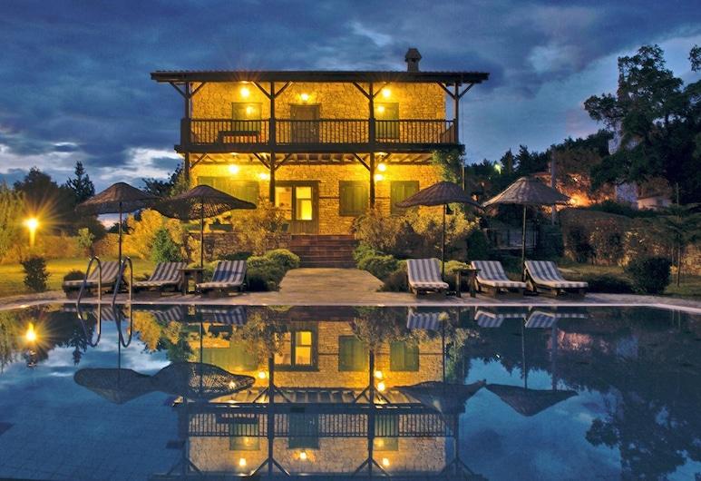 Seki Cottages, Manavgat, Front of property – evening