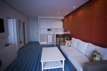 Picture of Tangerine Apart Hotel Batumi in Vina del Mar
