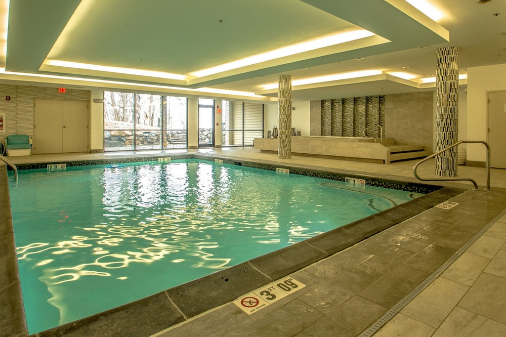 Arlington Hotel Bethlehem Indoor Pool