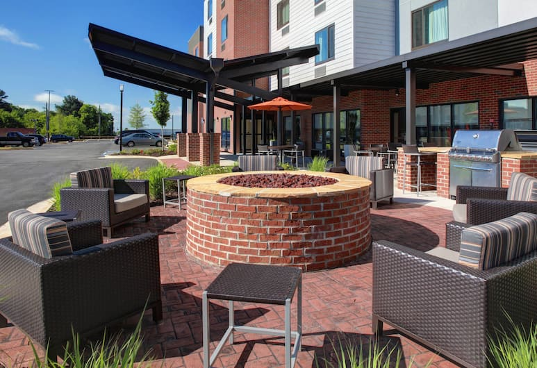 TownePlace Suites by Marriott Macon Mercer University, Macon, Terrace/Patio