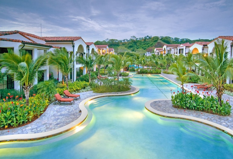 Pacifico Resort Condominiums, Coco, Piscina al aire libre
