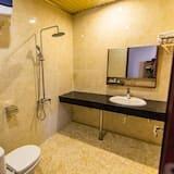 Standard Double or Twin Room, 1 Bedroom, City View - Bathroom