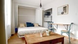 Choose this Apartment in Marseille - Online Room Reservations