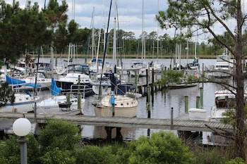 Picture of Fairfield Harbourside in New Bern
