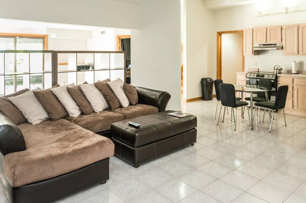 Luksusa numurs, divas guļamistabas, nogāzes puse - Dzīvojamā zona