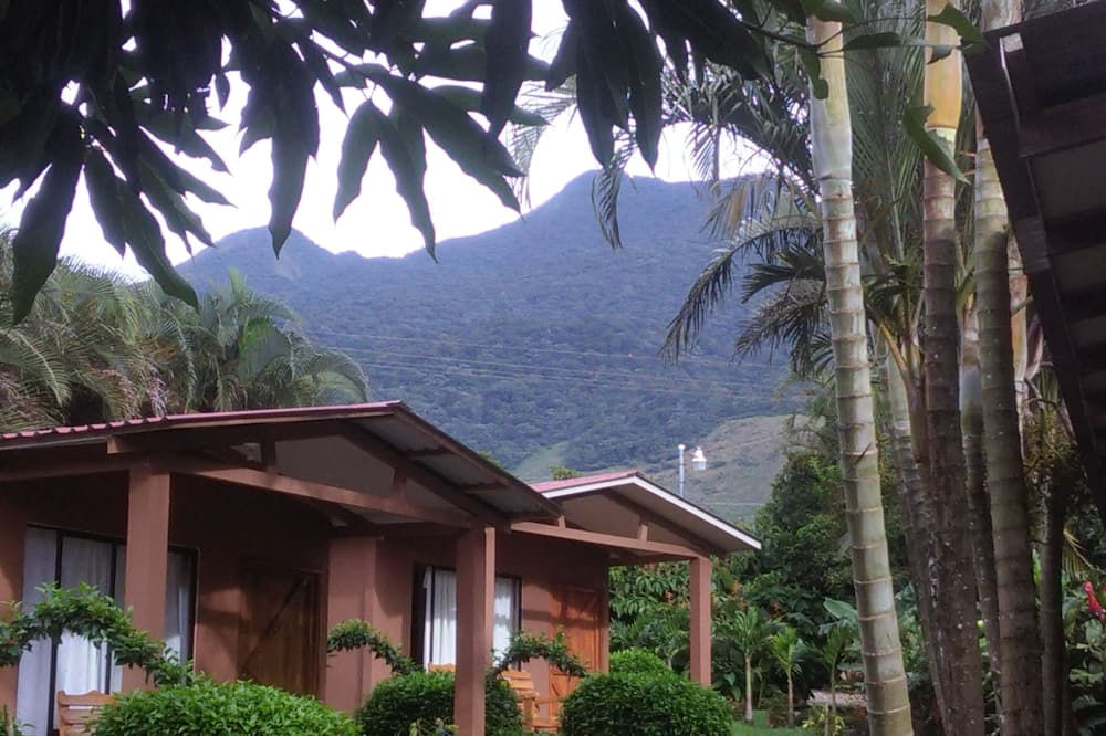 Paraiso Volcano Lodge
