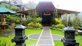Book this Parking available Hotel in Cisarua