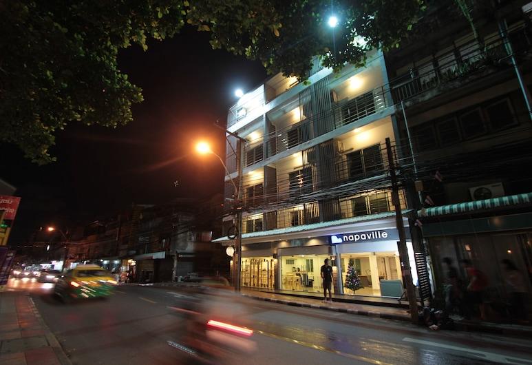 ナパビル フア クワン, バンコク, ホテルのフロント - 夕方 / 夜間