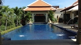 Choose This Cheap Hotel in Phuket